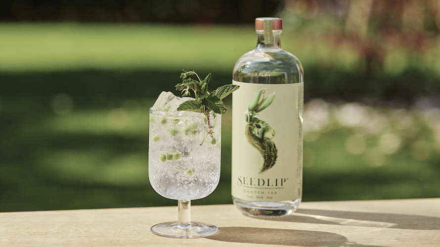 Cocktail using Seedlip alcohol-free spirits